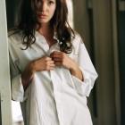 Заслуживает ли мужская рубашка место в женском гардеробе?